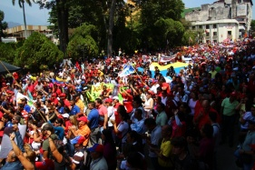 Thousands of Chavistas marched